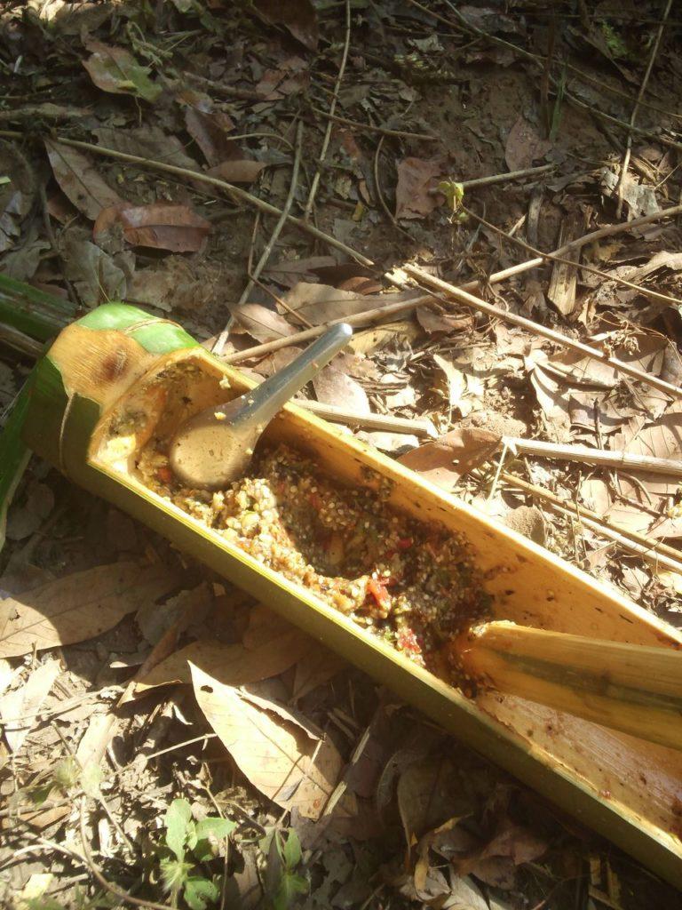 竹の器に入ったタイのスパイス