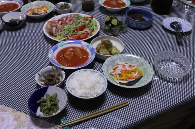 民泊の手料理 野菜は自家製