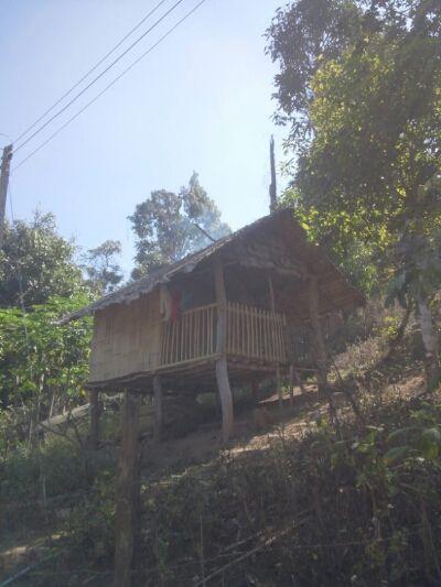 タイ カレン族の村のバンブーハウス