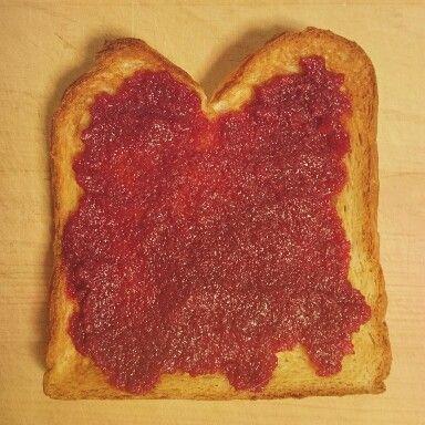 ヤマモモジャムのトースト